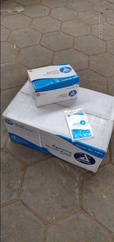 3400 Stück Dynarex 4403 Polyethylen-Schürzen Einweg