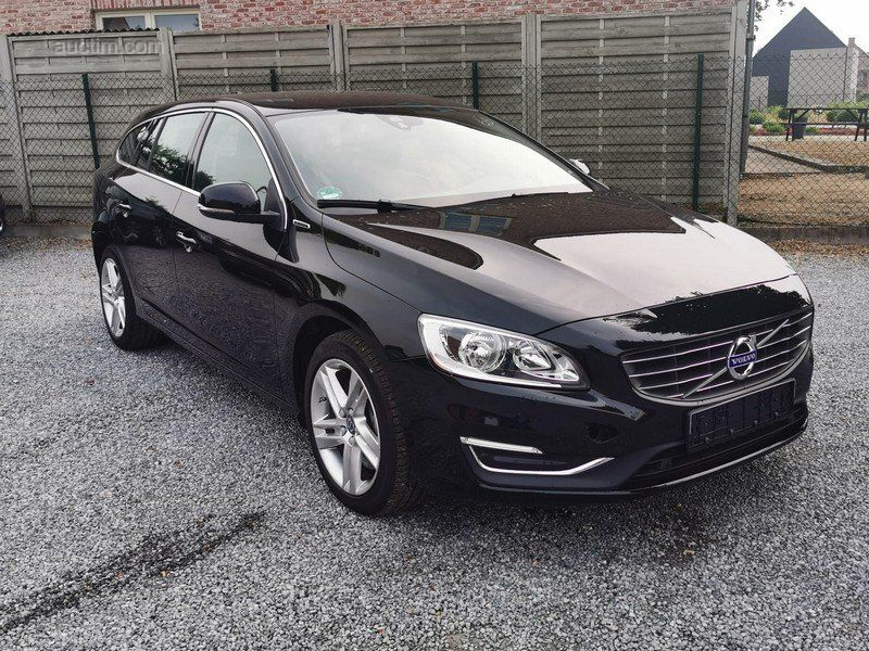 2017 VOLVO V60 D6 Plug-in Hybrid Summum AWD 2.4