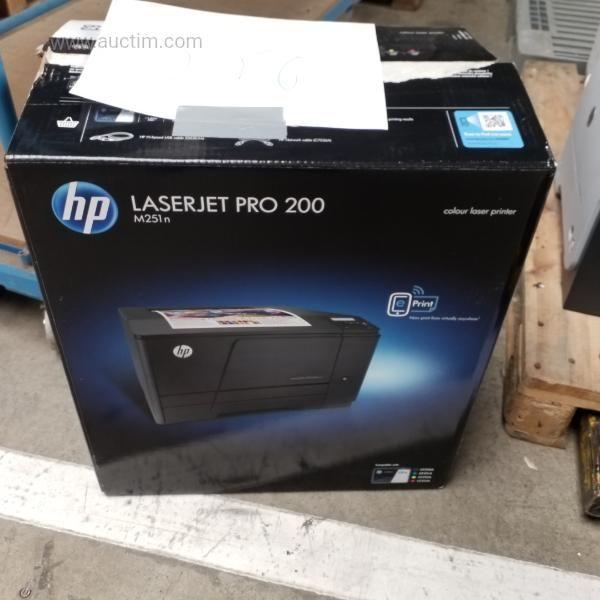 1 Neuer HP Laserjet Pro 200 Abmessungen: 330 x 480 x