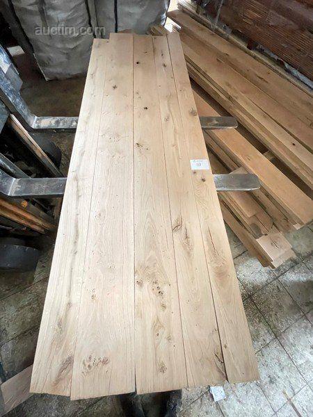 Massive Balken aus französischer Eiche für Tischplatten oder andere