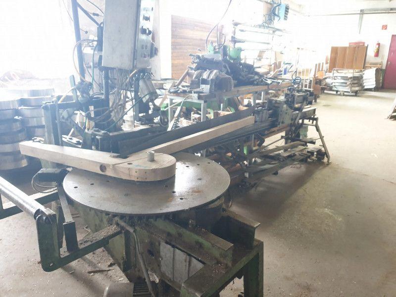 Metalldorn Biegemaschine