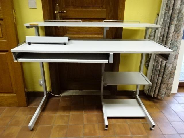 Computertisch / Tisch Schreibtisch