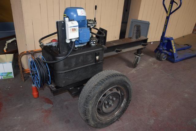 Mobile Holzspaltmaschine