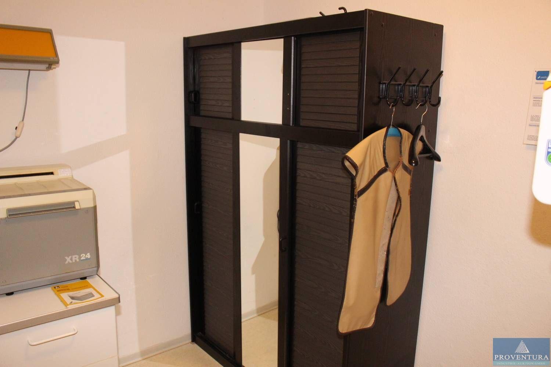 Kleiderschrank ca. 120x180 cm