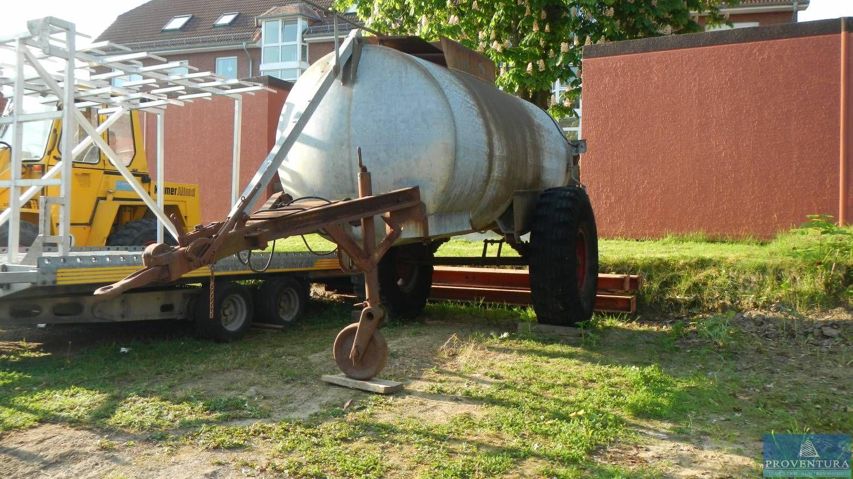 Wassertank m. Fahrgestell