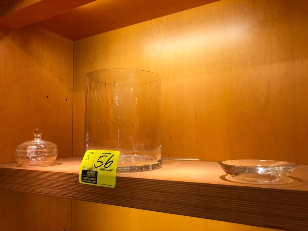 (1) Glasseifenschale, (1) Glasschüssel und (1) Glasabfallkorb