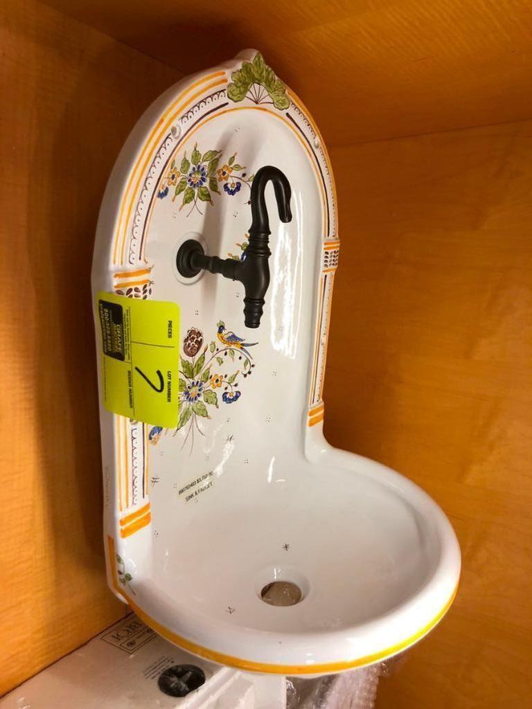 Porzellan Waschbecken und Wasserhahn aus Porzellan