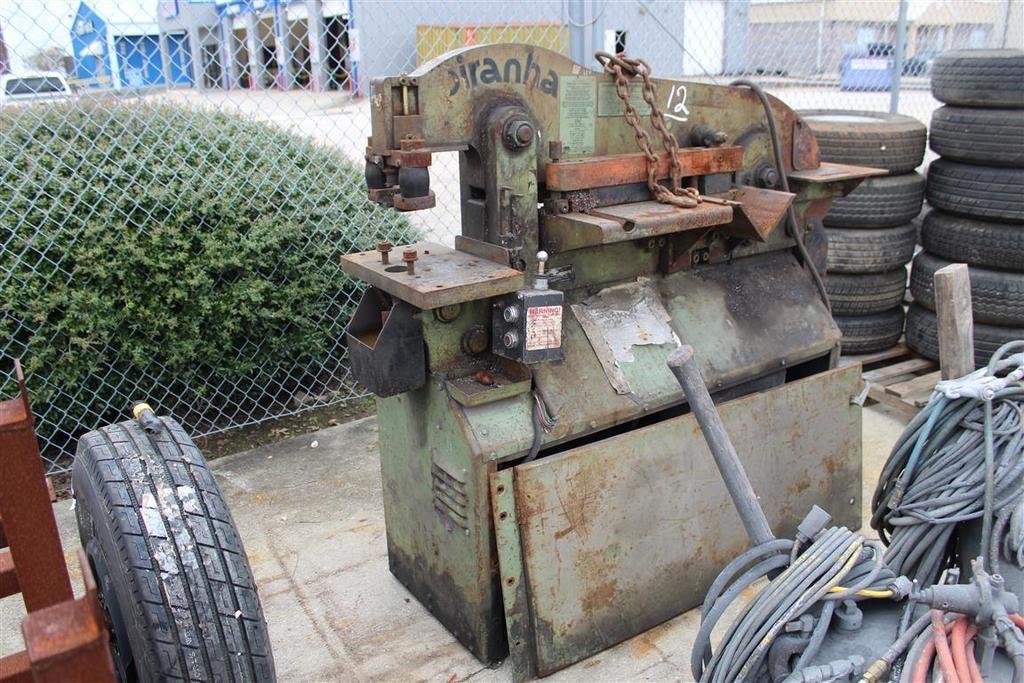 Piranha P50 50 Ton Iron Worker, S / N P506381