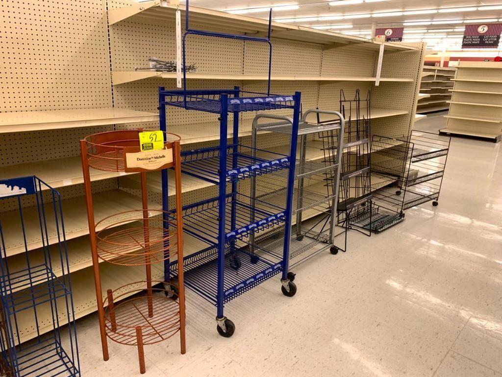Verschiedene Merchandiser-Racks