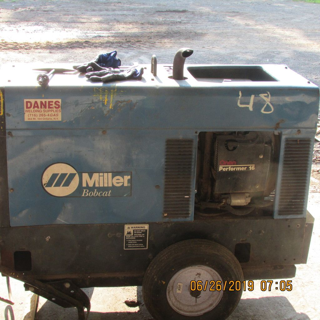 MILLER BOBCAT GAS POWERED STICK WELDER W / 894 HRS