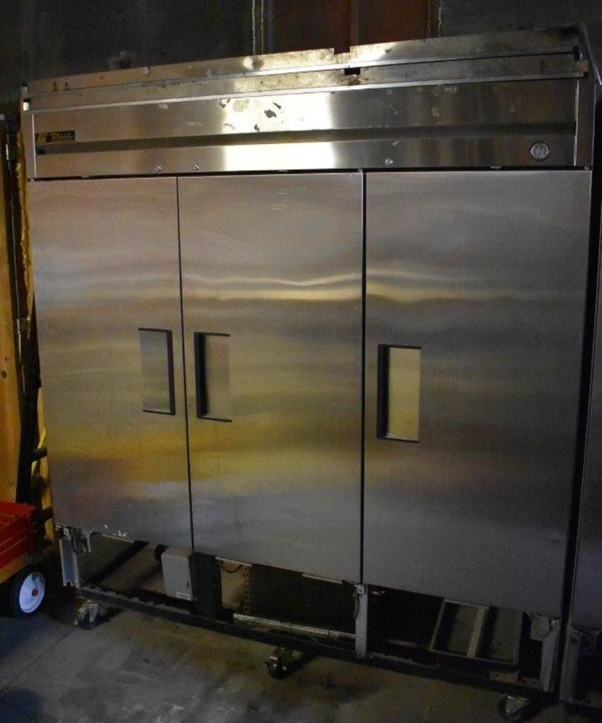 True Upright Commercial Reach-In Gefrierschrank