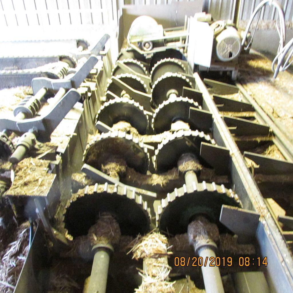 HMC V2110 ROSSERHEAD DEBARKER S / N 1827-05 MIT KABINE, STEUERUNG, UNTERBAU & amp; SCHRITTE