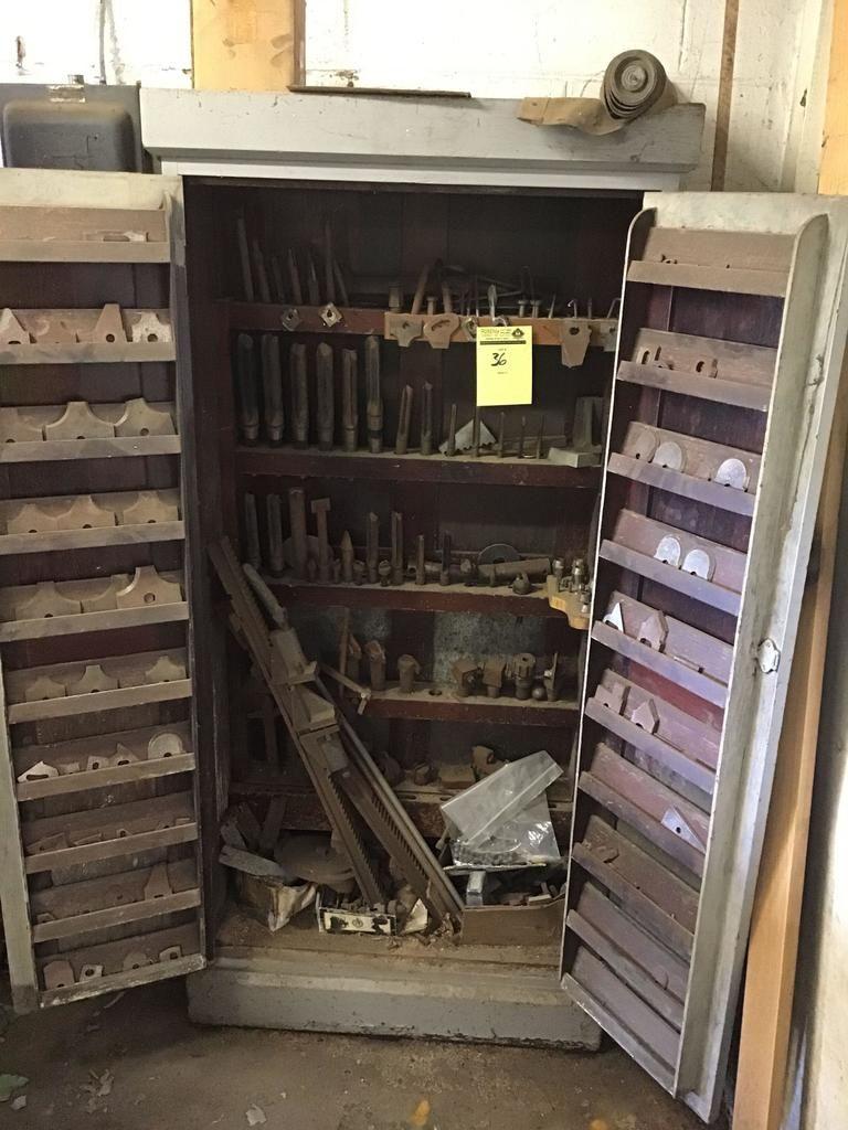 Holzschrank VOLL mit Zubehör, Klingen und vielem mehr für die Oliver-Maschine in Lot 35