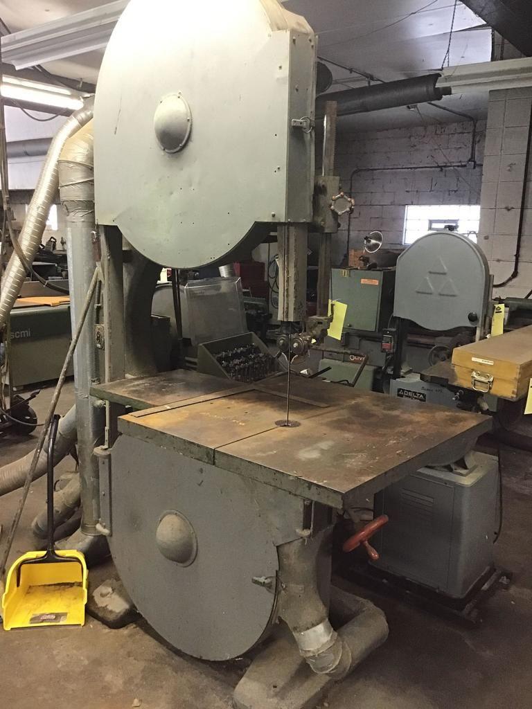 Tannewitz-Qualitätsbandsäge, Typ GHE, Serie 8583. Die Maschine ist ca. 30 cm groß. SIEHE VIDEO