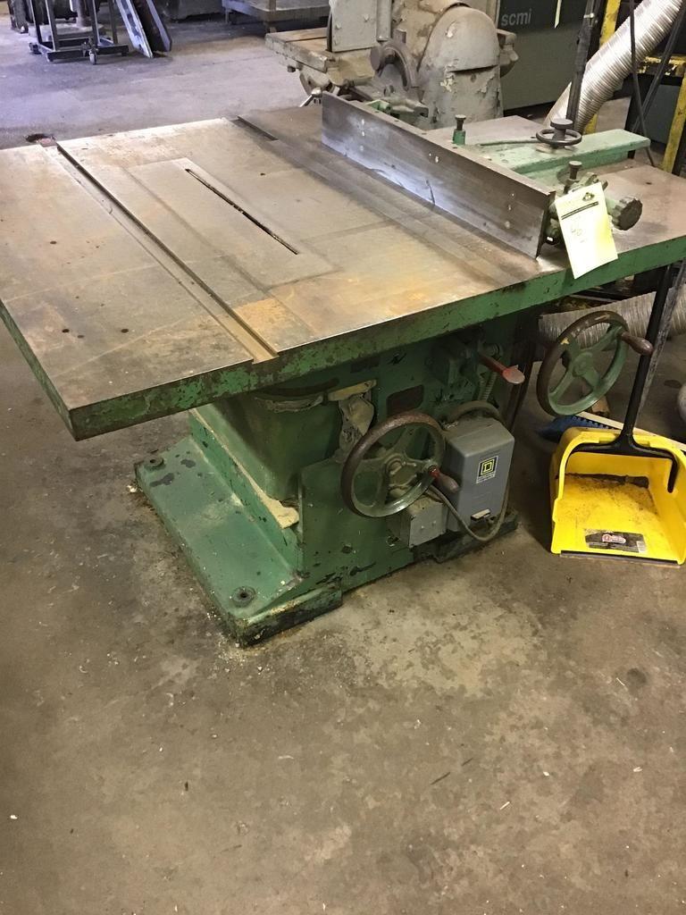 Vintage Tannewitz Tischkreissäge, schaltet ein und funktioniert wie vorgesehen. Modell J-250