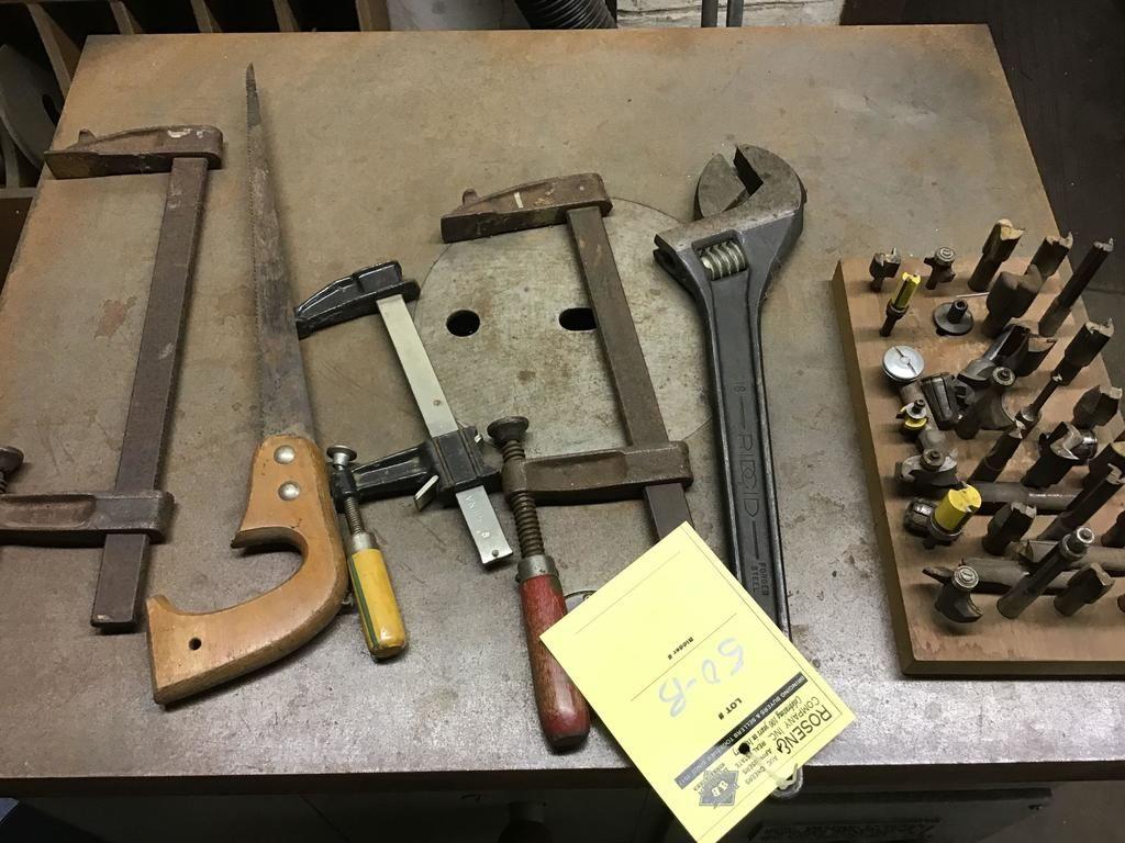Schellen, Säge, Fräser, verstellbarer 18-Zoll-Schraubenschlüssel und mehr