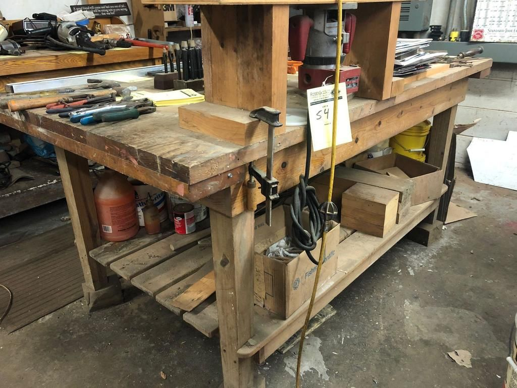 Handgemachte hölzerne Werkbank w / Milwaukee Router & amp; Tabelle