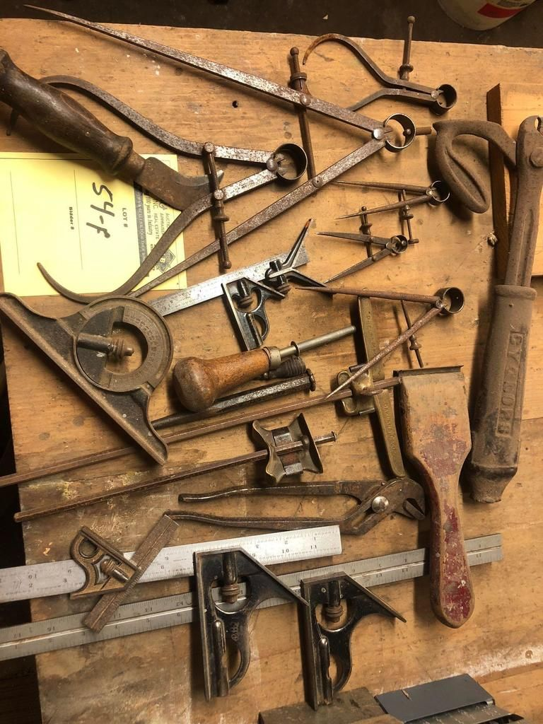 Viele verschiedene Vintage Holzbearbeitungswerkzeuge