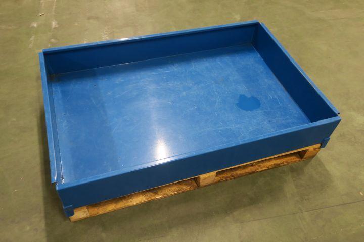 Palettenpool / Abfallbehälter Intra