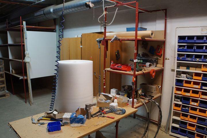 Montage Station