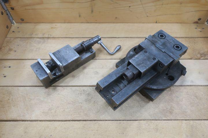 2 Maschinenschrauben 65 und 100 mm