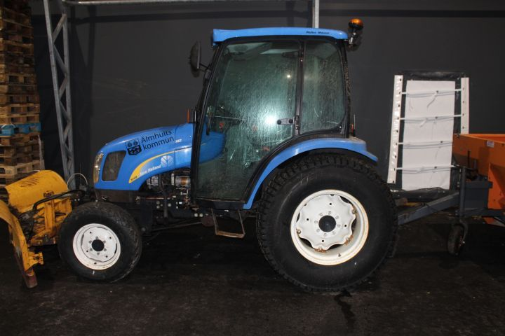 Kleintraktor New Holland TC45D 4WD -05 XKE067