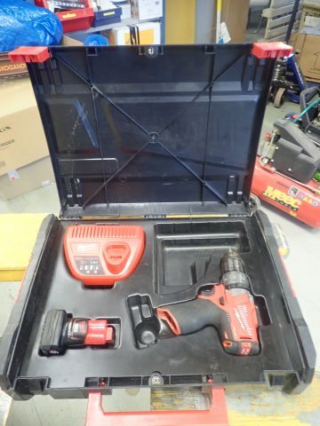 Schraubendreher MILWAUKEE M12 CDD