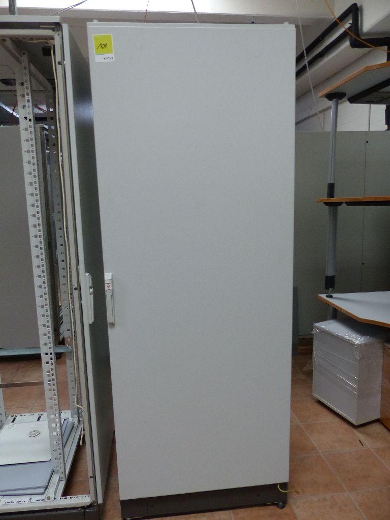 Serverschrank/Netzwerkschrank