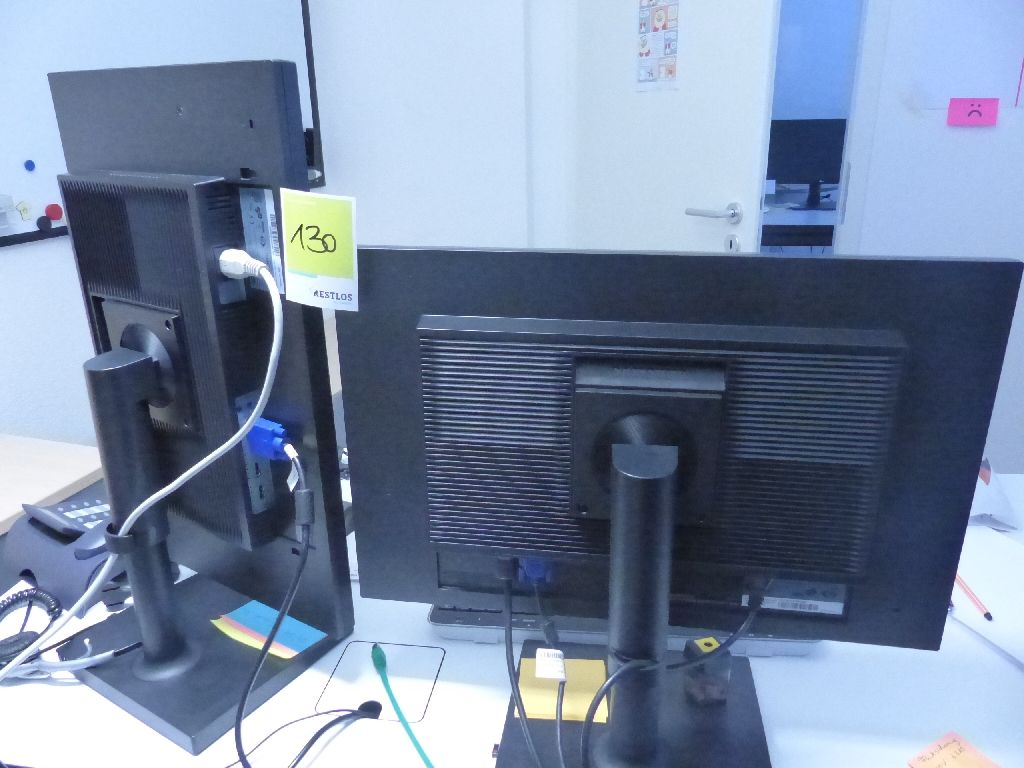 2x LED Monitore der Marke Samsung