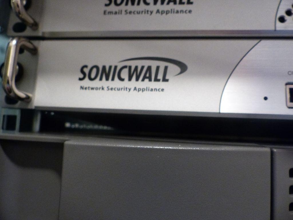 Netzwerk Firewall der Marke SonicWall