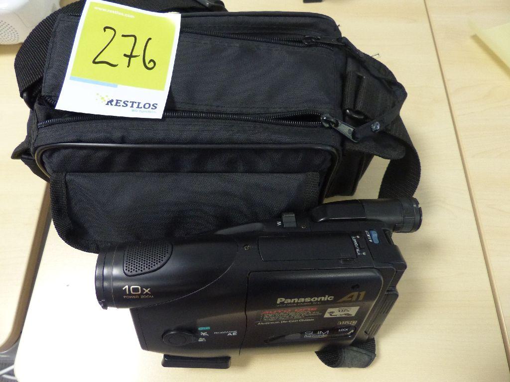 VHS Kamera der Marke Panasonic, Typ NV-A1