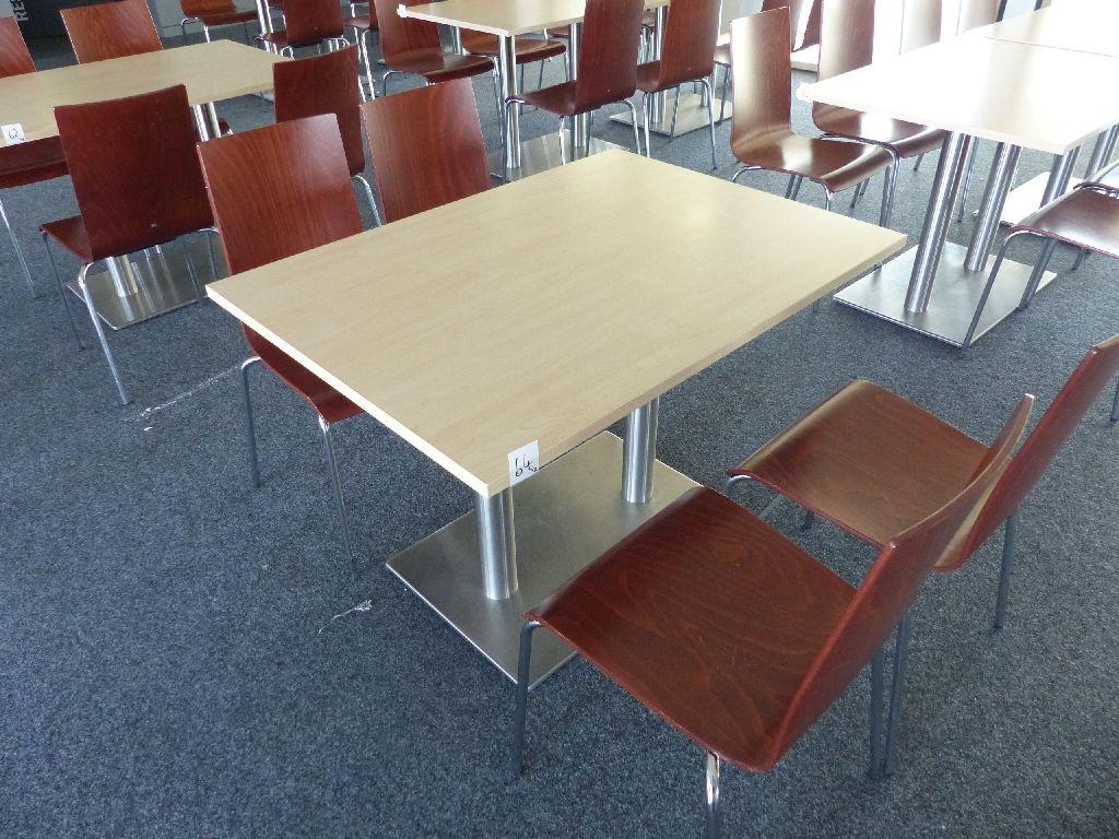 4x Hiller Stühle, 1x hochwertiger Tisch