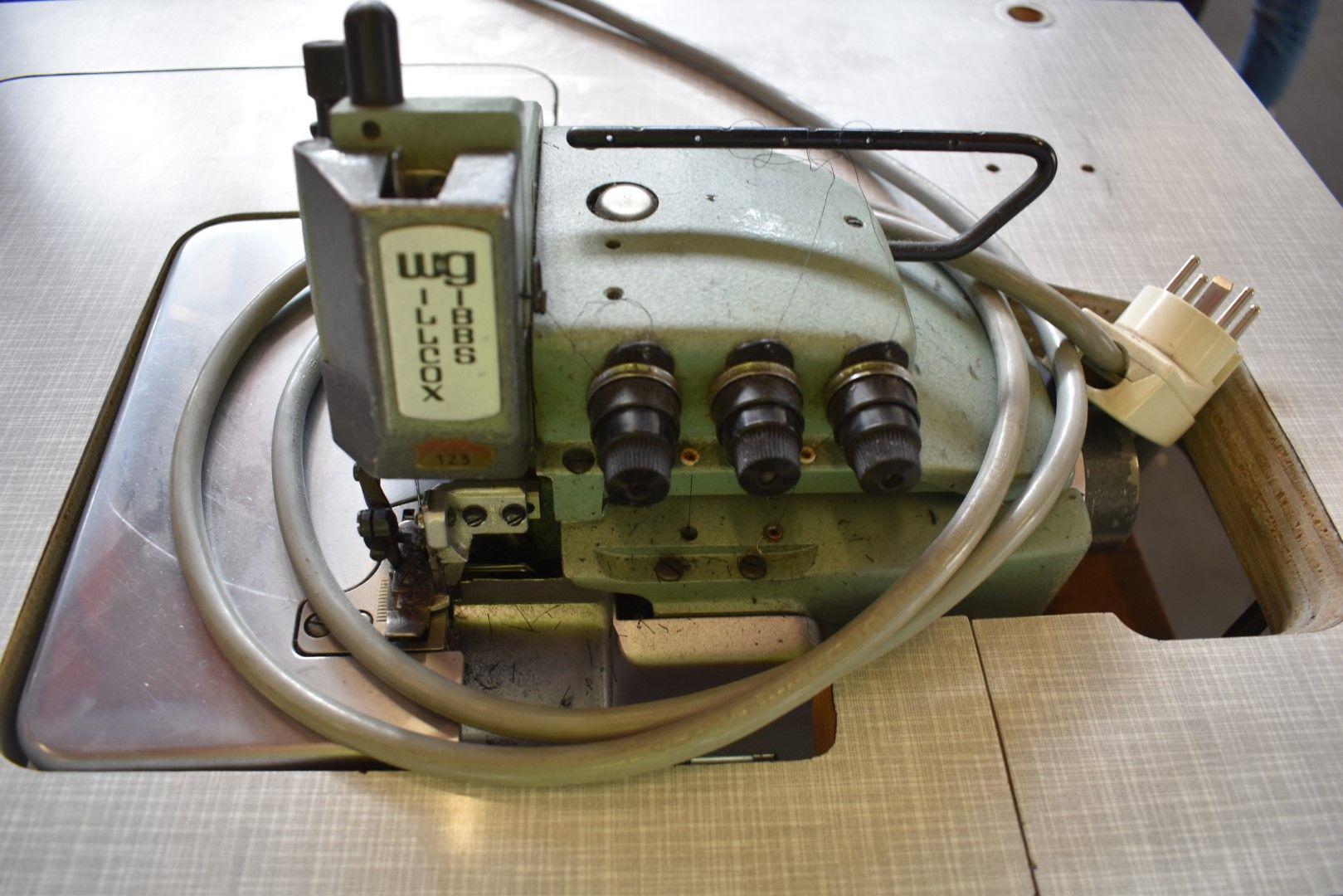 Willcox & amp; Gibbs Oberlockmaschine