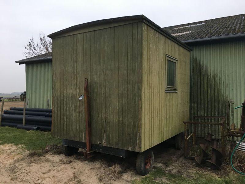 Wohnwagen / Pavillon