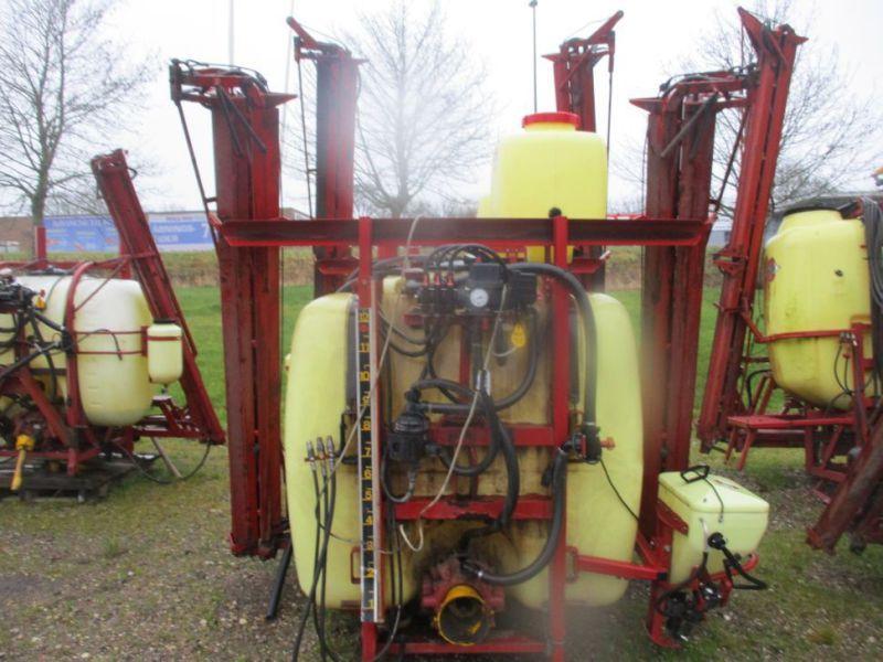 Hardi LY1200L Feldspritze mit 12 Meter Ausleger / Feldspritze mit 12 Meter Ausleger