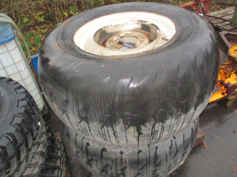 Reifen / Reifen für New Holland TNF / Reifen / Felgen