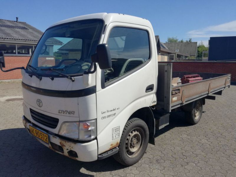 Toyota Dyna 2.5 L mit Lad / Truck