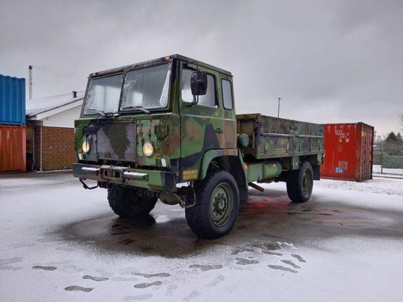 Scania 4 x 4 LKW / LKW