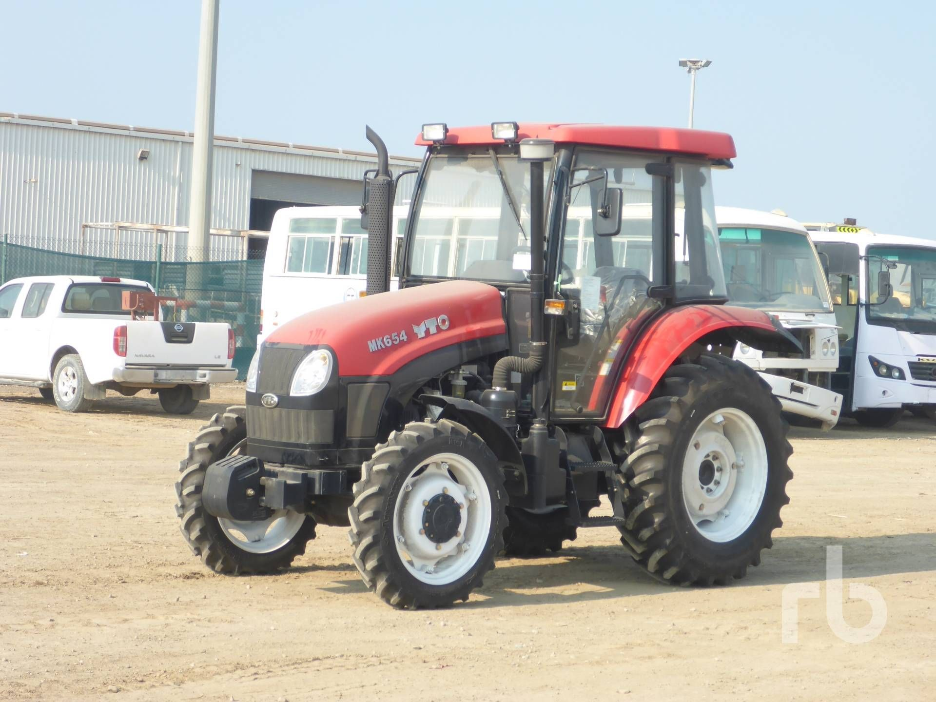 NICHT VERWENDET 2017 YTO MK654 MFWD Traktor