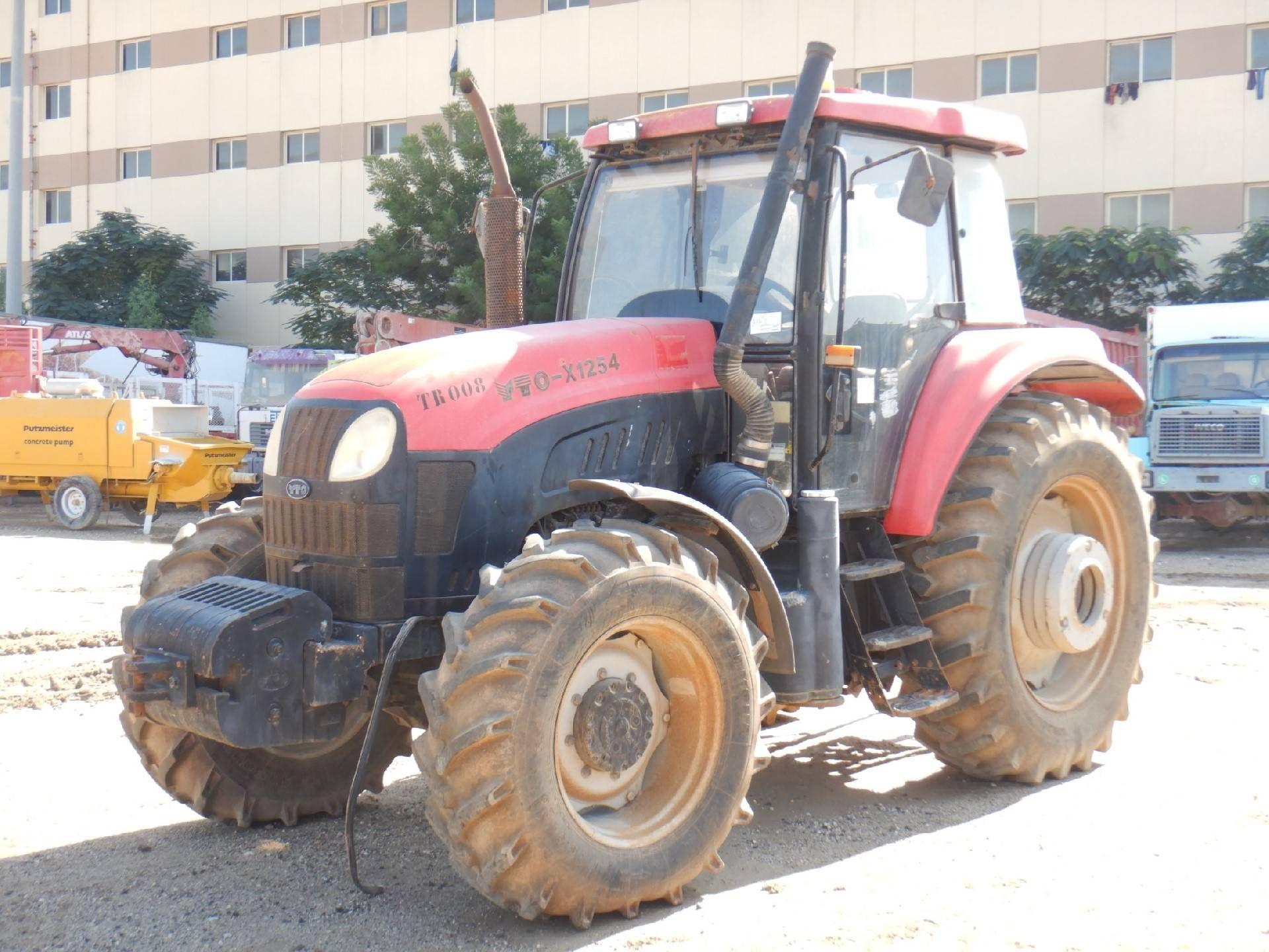 2012 YTO X1254 MFWD Traktor