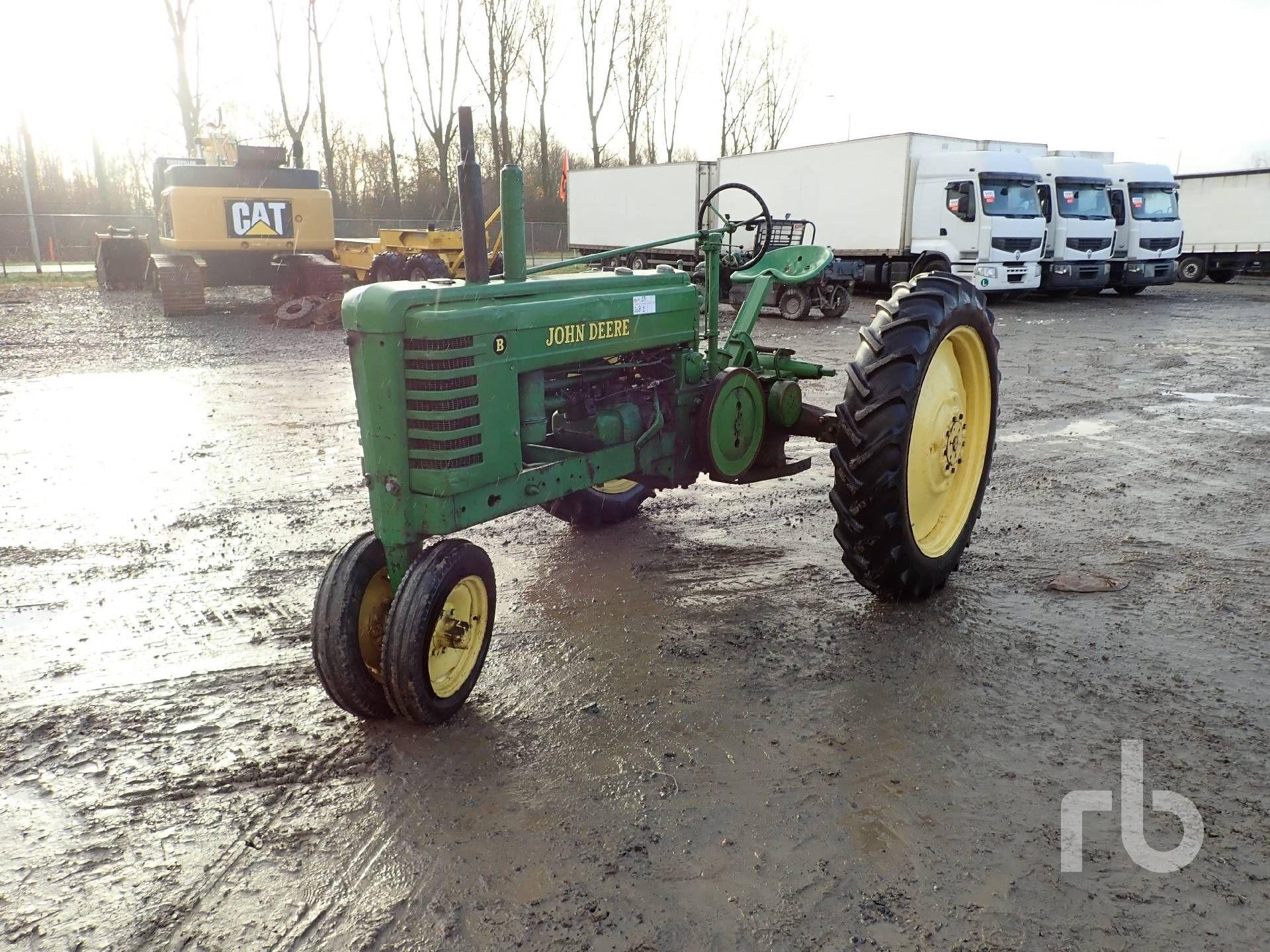 JOHN DEERE B Antik Traktor Lot # 971