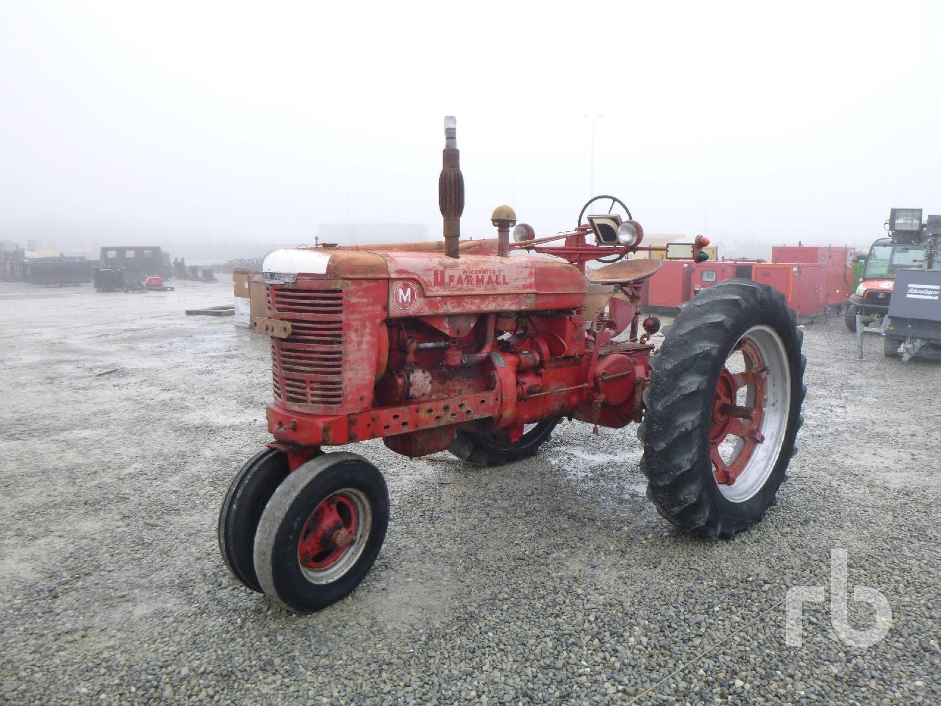 MCCORMICK FARMLAND M Oldtimer Traktor