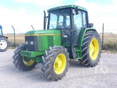 1993 JOHN DEERE 6400 MFWD Traktor