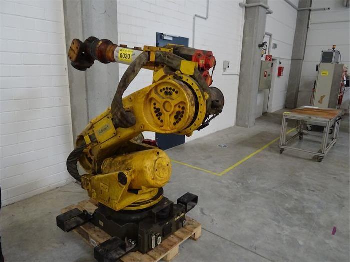 1 Industrieroboter FANUC ROBOT R-2000 A 165 F