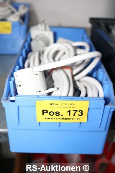 1 Schütte mit Inhalt Verlängerungskabeln, 230 V, ca. 5 Stk.