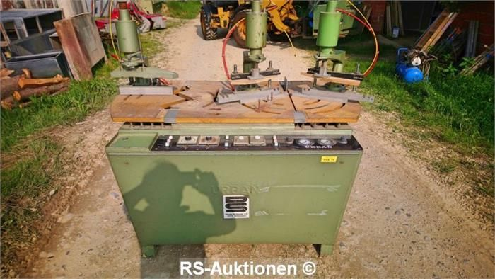 Kunststoff-Stumpf-Schweißautomat URBAN AKS 3300, Bj: 1981, 220 V, 4 kW, 7 bar