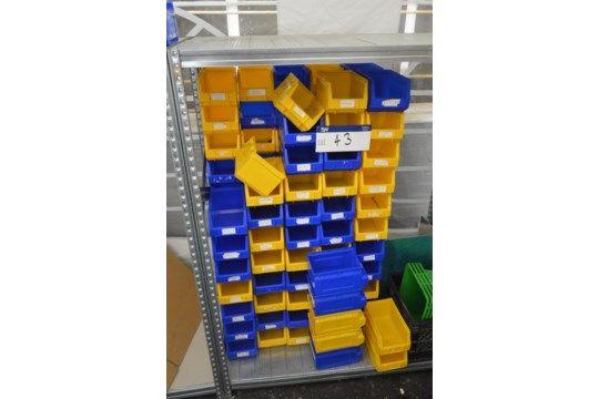 Sortierte Stapelbehälter