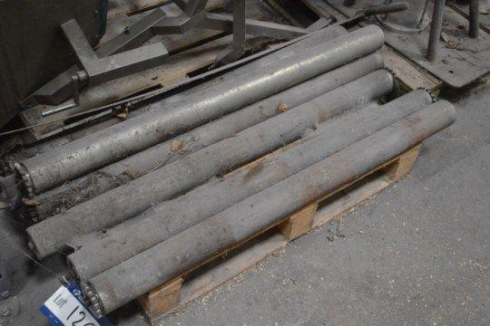 Sieben Förderrollen à ca. 1250 mm breit x