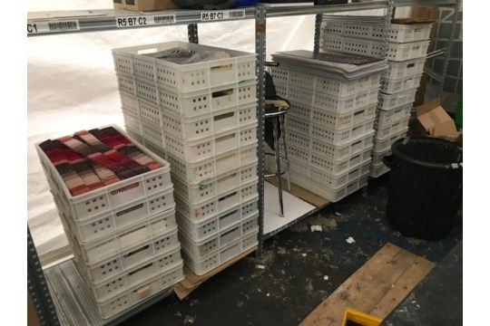 Ca. 34 Stapelbehälter aus Kunststoff