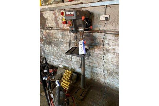 Clarke Metalworker CDP451F 16-Gang-Säulenbohrer, Teile-Nr. 6505580, 230 V.